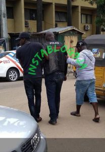 Policeman Reportedly Knocked Out With Strong Punch In Lagos (Photo)
