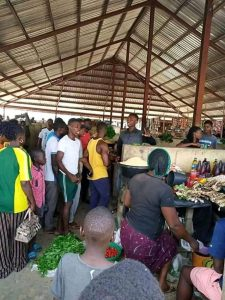 Youths in Bayelsa State storm markets to ensure traders don't inflate prices of food items due to Coronavirus pandemic.
