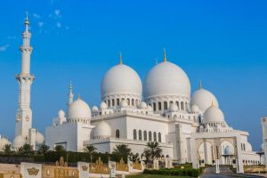 UAE extends closure of mosques, churches