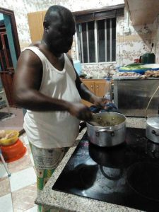 90% of men can cook but too lazy – Twitter user, Dr Toolz.
