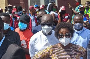EdoDecides2020: Obaseki queues to vote in his polling unit