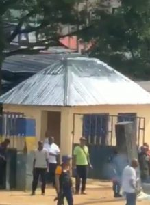 Bullets unable to penetrate 'charm-wielding' youths in Port Harcourt as policemen open fire (Watch)