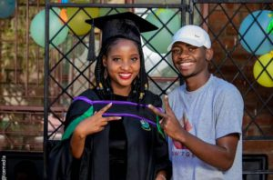 Man celebrates his young mother who had him at the age of 16 on her graduation (Photos)