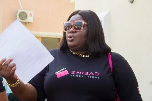 Eniola Badmus supports orphanage home with food and beverages (Photos)