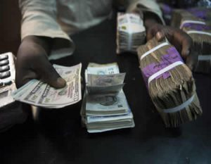 Naira slumps to N570/$1 at parallel market as scarcity bites harder